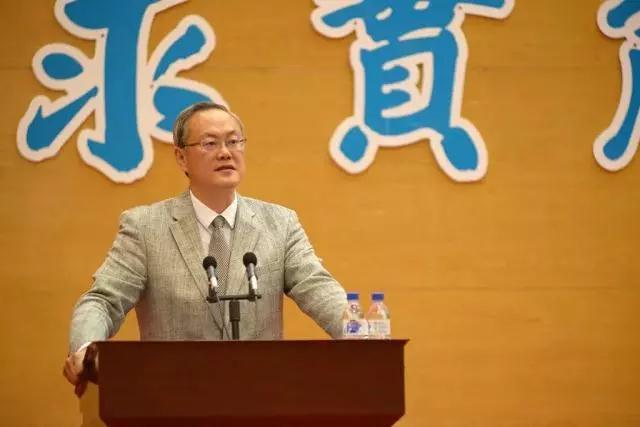 吉林大学经济学院、金融学院院长李晓